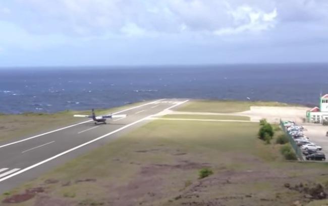 Аеропорт острова Саба (Скріншот/YouTube/Zhigurs. Авиаторы)