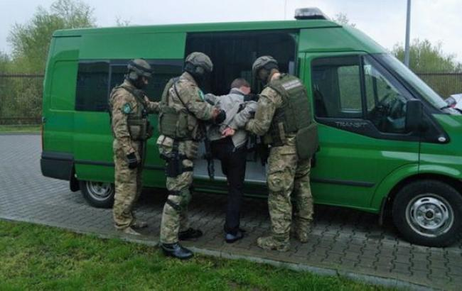 Власти Польши задержали обвиняемого ввоенных злодеяниях вДонбассе