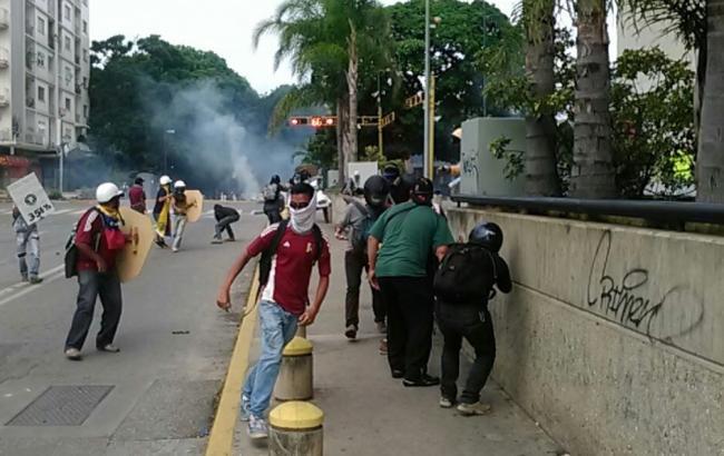 У ході протестів у Венесуелі постраждали понад 230 людей, один загинув