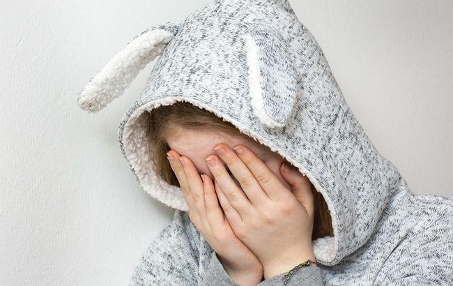 Під Львовом горе-мати жорстоко побила 11-річну доньку: усі подробиці
