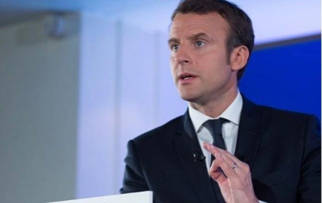 Дружина майбутнього президента Франції старша від нього на 24 роки