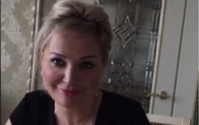 Вдова Вороненкова заговорила українською мовою і назвала її первинною