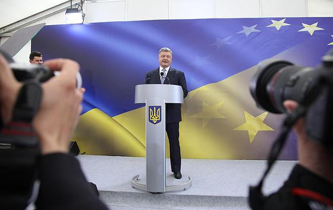 Петр Порошенко отвечал на вопросы журналистов в течение двух часов (фото: РБК-Украина)