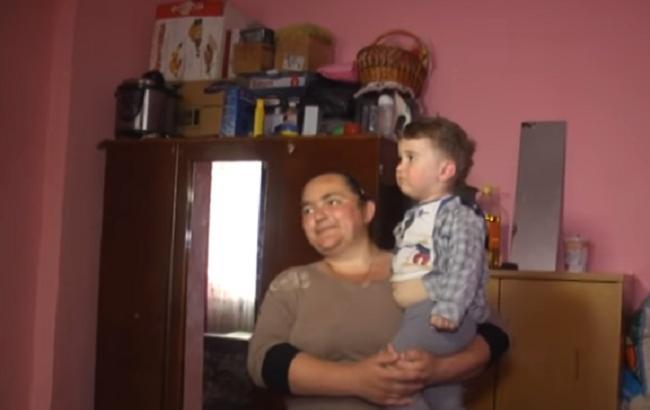 Ребенок выжил после падения с окна (Кадр из видео/youtube.com/Надзвичайні новини. ICTV)
