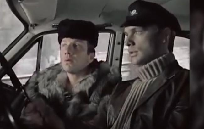 """В фильме """"Джентельмены удачи"""" актер играл таксиста (Скриншот)"""