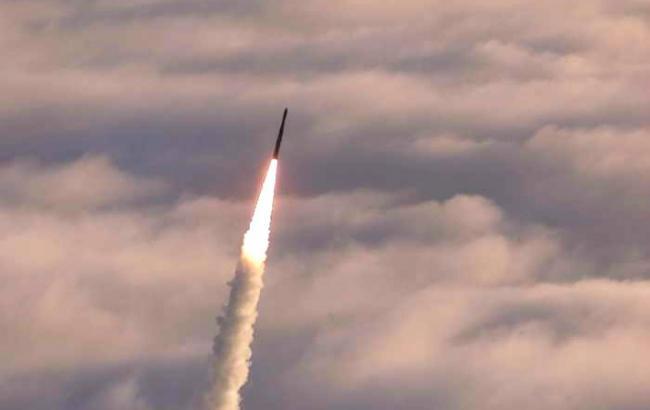 Північна Корея запустила ракету невідомої модифікації