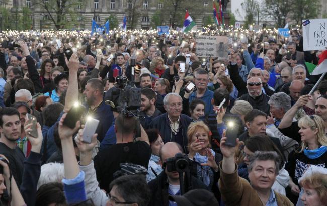 У Будапешті на протестний марш вийшли тисячі людей