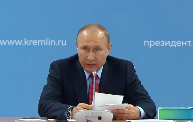 """Путін заявив, що НАТО вигадує """"міфічні російські загрози"""""""