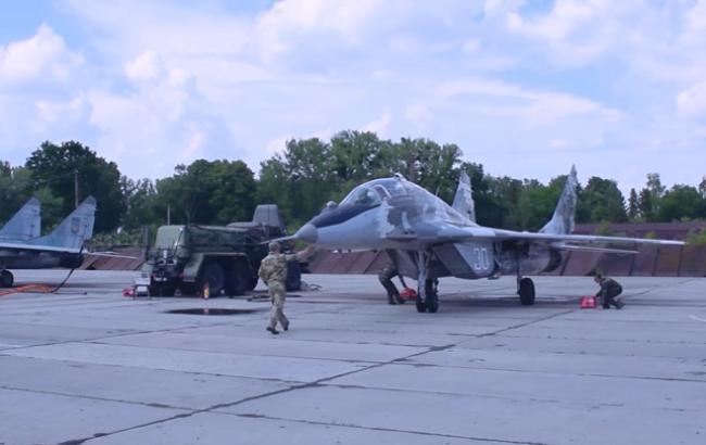 У мережі з'явилося яскраве відео польотів українських винищувачів
