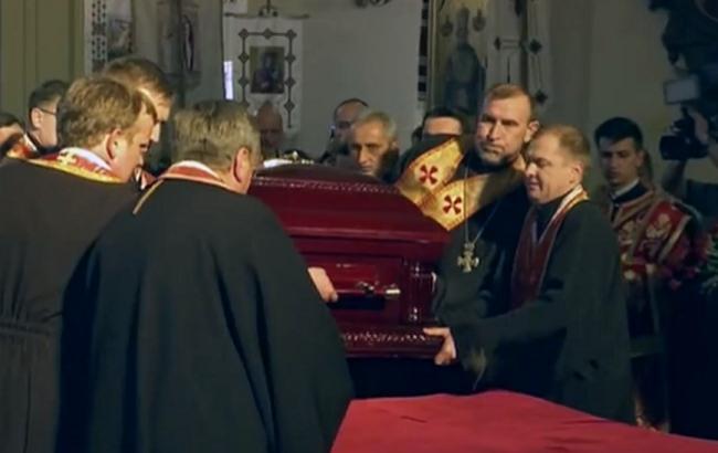 Віруючі у Львові йшли до гробу Блаженнішого Любомира Гузара всю ніч
