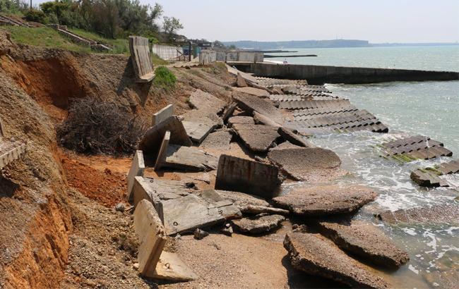 Журналист показал жуткий пляж в аннексированном Крыму