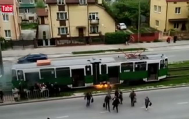 Во Львове наградили курсантов, которые спасли пассажиров из горящего трамвая