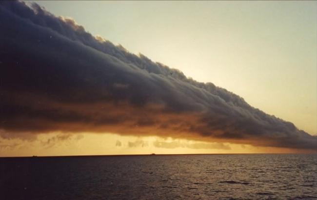 В Херсонской области произошел фантастический природный феномен над морем