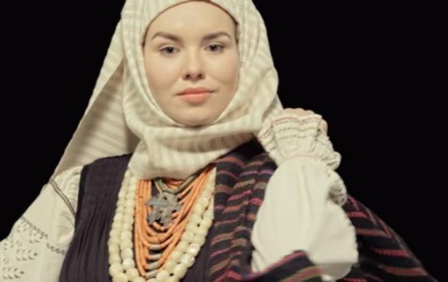 У мережі з'явився кліп про український святковоий одяг Одеської області