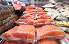 В українських супермаркетах продається в'ялена і копчена риба, заражена токсином ботулізму