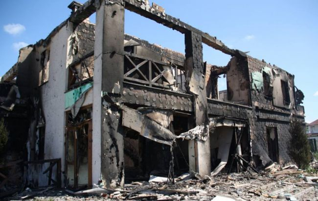 Фото: последствия обстрела Бердянского (пресс-центр штаба АТО)