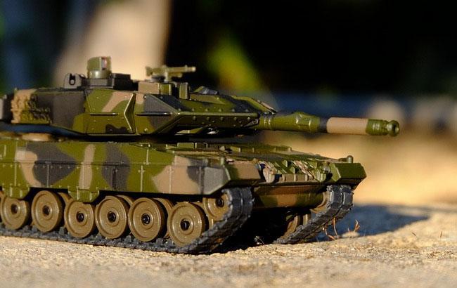 У Мінську танк на величезній швидкості врізався в стовп на репетиції параду: з'явилося відео