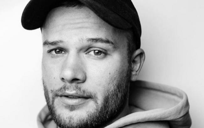 ЗМІ: прикордонники не пустили в Україну білоруського співака Макса Коржа