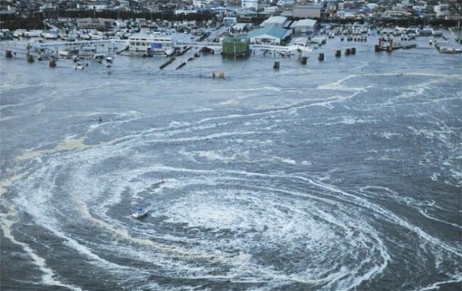 Фото: на Закарпатті через зливи піднявся рівень води