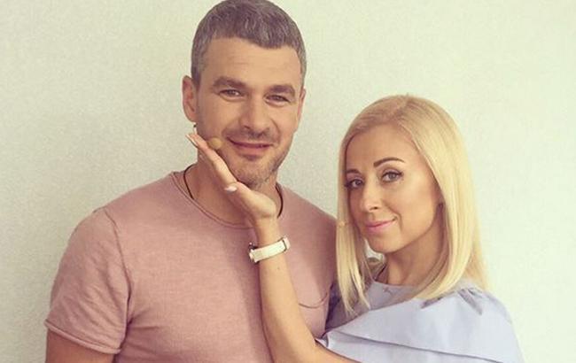 Известная украинская певица опубликовала забавное фото с мужем