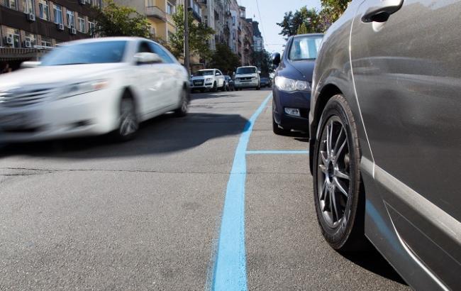 Фото: В Киеве уже больше недели оплата за парковку - на совести водителей (РБК-Украина)