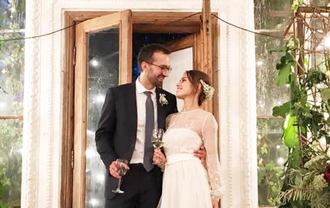 Фото: Весілля Сергія Лещенка та Анастасії Топольської (facebook.com/Mustafanayyem)