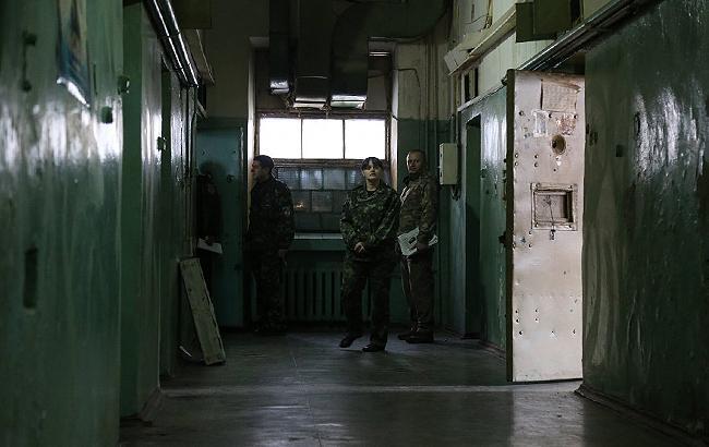 """""""Били, издевались над ними"""": в сети рассказали о """"палачах"""" в крымской тюрьме"""