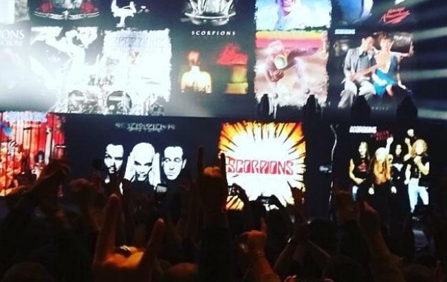 """""""Море драйву"""": соцмережі відреагували на виступ легендарних Scorpions в Києві (фото і відео)"""