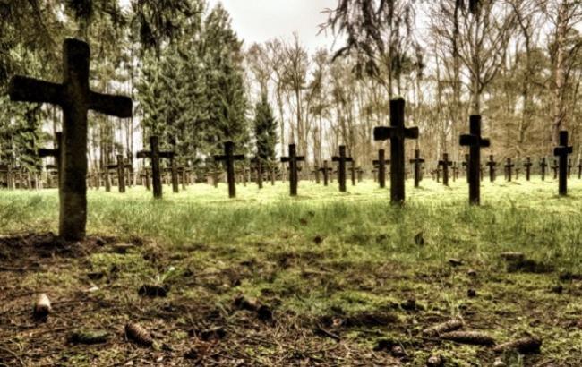 Фото: Кладбище (BadFon.ru)