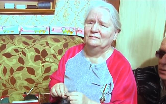 Незрячу мешканку Луцька нагородили орденом за допомогу бійцям АТО (відео)