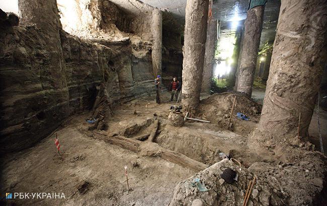 Фото: розкопки в Києві (РБК-Україна)