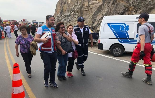 Число жертв ДТП с автобусом в Перу превысило 50