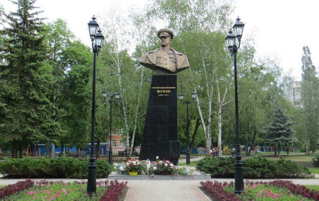Фото: Памятник Жукову (wikimedia.org)