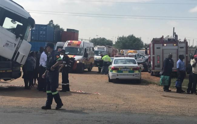 Фото: авария в ЮАР (twitter.com/radebe_nana)