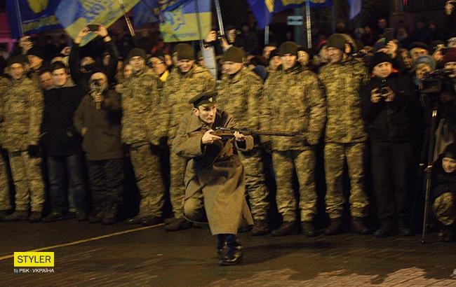 Фото: Реконструкція бою під Крутами в Києві (РБК-Україна)