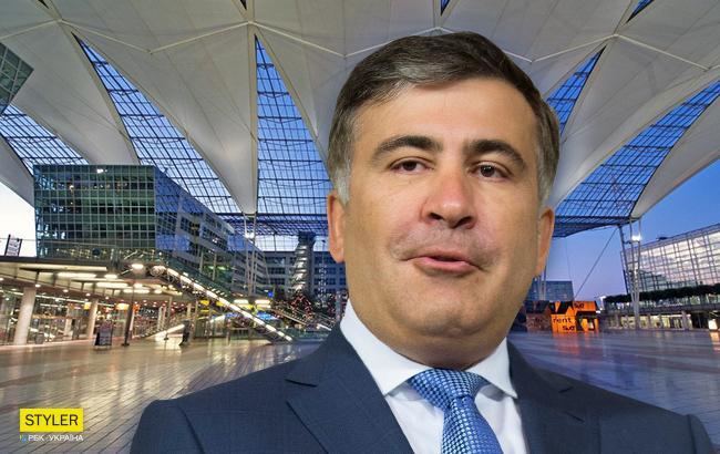 """Без соратников и охраны: Саакашвили снова """"отметился"""" в аэропорту Европы (видео)"""