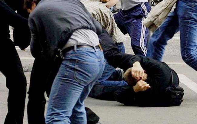 В киевском ресторане 14 мужчин устроили бойню из-за девушки (фото)