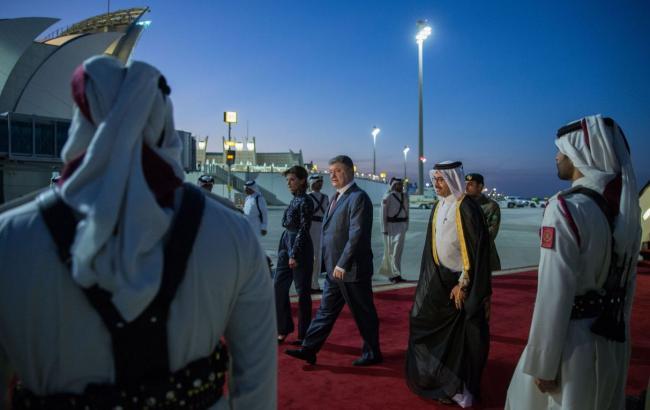 Порошенко начал официальный визит в Катар