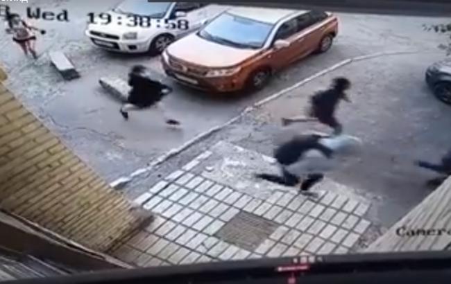 Прокуратура сообщила о подозрении одной из участниц нападения на участника АТО в Киеве