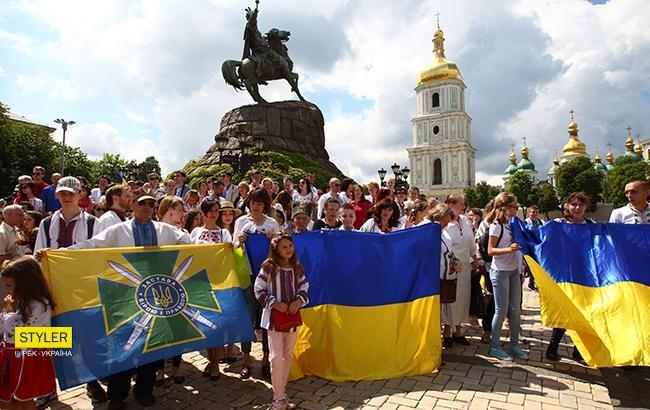 Фото: Мегамарш вышиванок (РБК-Украина/Виталий Носач)