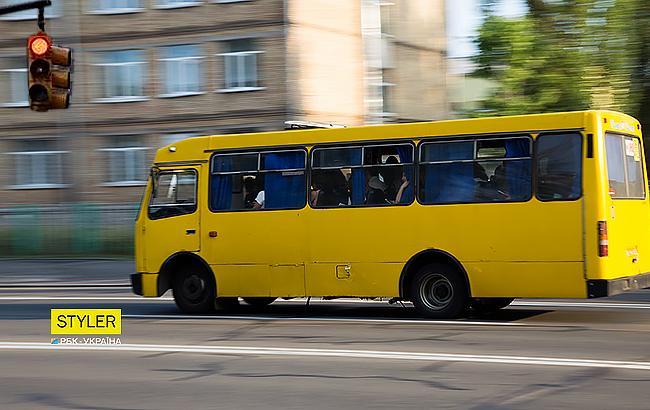 """""""Таких водителей нужно на кол сажать"""": в Мелитополе маршрутчики носятся на """"красный"""" (видео)"""