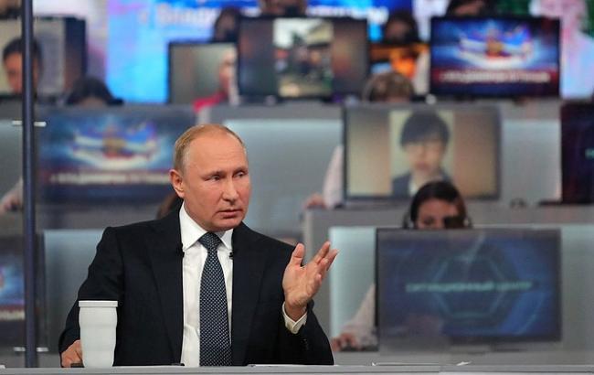 """Путін: говорити про обмін ув'язненими з Україною """"поки що передчасно"""""""