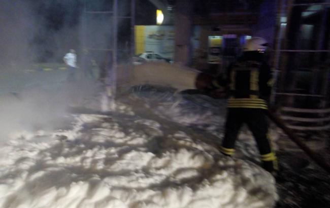 Фото: взрыв на АЗС в Киевской области dsns.gov.ua)