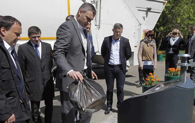 Мэр Киева Виталий Кличко согласился с предложением Киевсовета об ограничении полиэтиленовых пакетов (Фото: УНИАН)