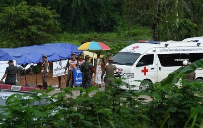 Фото: спасение детей в Таиланде (twitter.com/Ezequiel Aguilar)