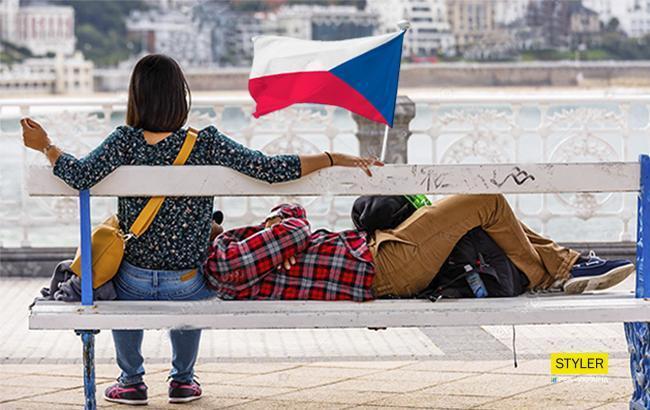 """""""Спали на скамейке"""": украинские заробитчане рассказали, как трудоустроились в Чехии"""