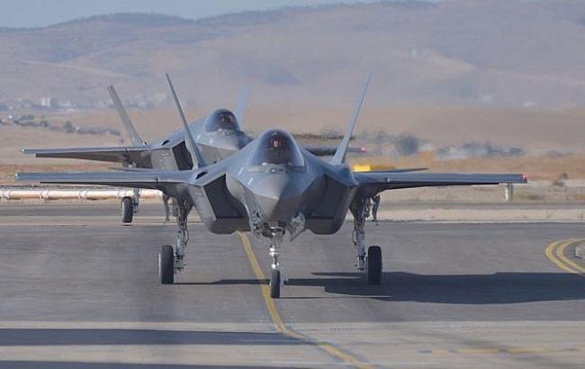 Фото: F-35 высаживаются на взлетно-посадочной полосе (Israel Defense Forces)