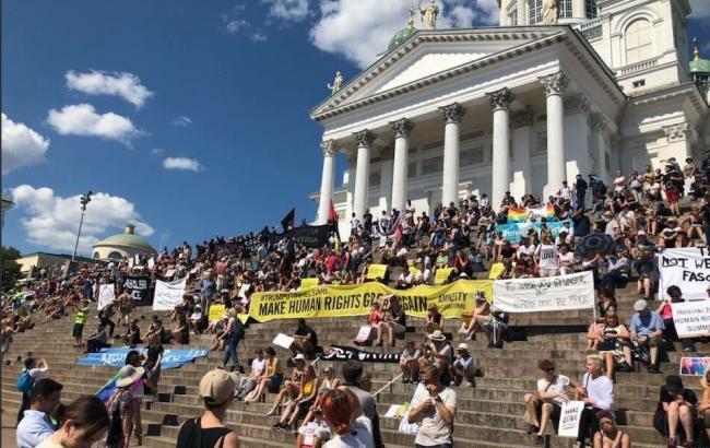 У Гельсінкі почались акції протестів напередодні саміту Путіна і Трампа
