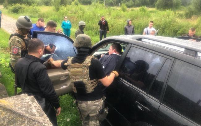 Мэра города Сколе задержали на взятке в 68 тысяч гривен