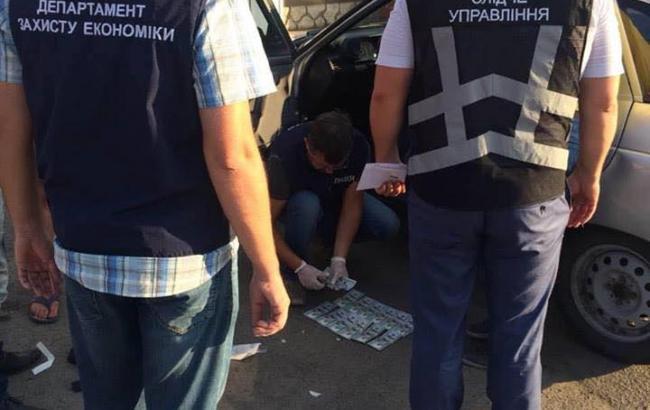 Навзятке задержали заместителя главы города Каменки-Днестровской